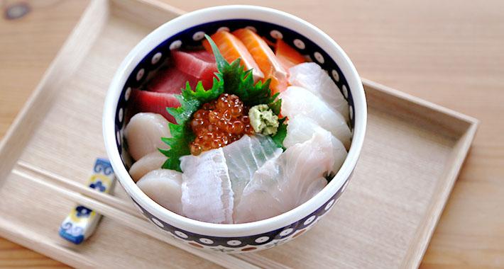 ヌードルボウル 海鮮丼