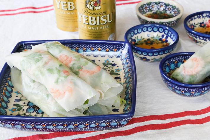 タフィー皿にベトナム風生春巻き